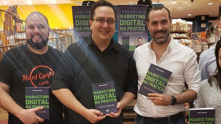 Livro de Paulo Faustino lançado no Brasil