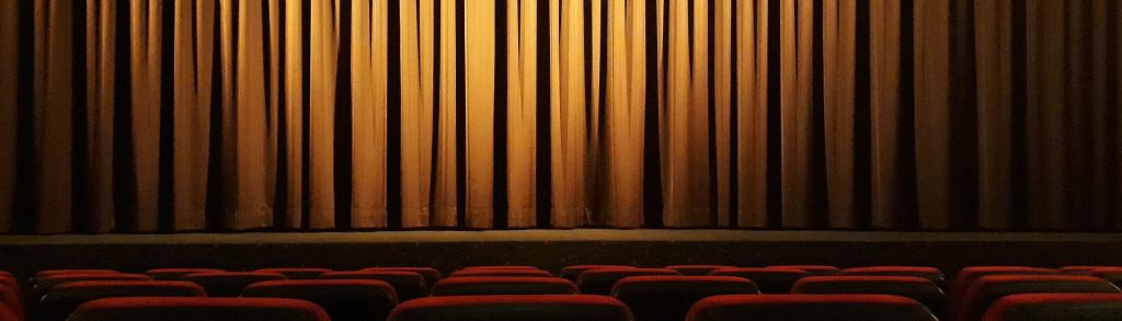 Cinemas com filmes em 70 mm