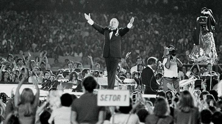 Frank Sinatra no Rio de Janeiro em show histórico no Maracanã